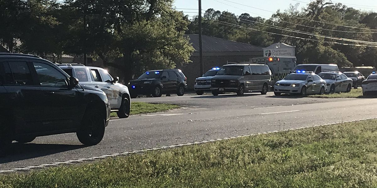 Charleston County deputy collapses during investigation in West Ashley