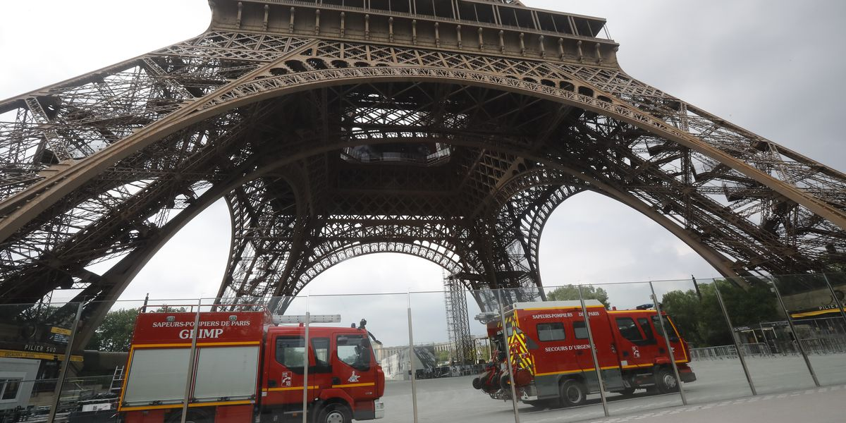 Eiffel Tower closed after intruder tries to climb up