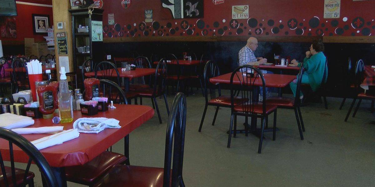 Why a La. restaurant owner lets one couple dine in during coronavirus shutdown