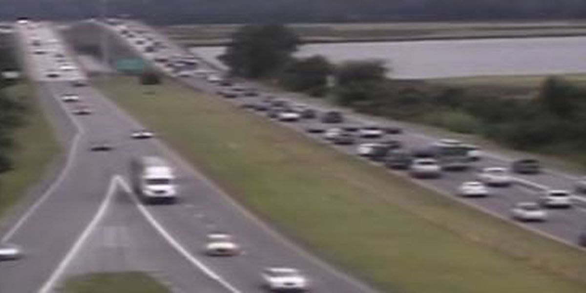 FIRST ALERT TRAFFIC: 14-mile backup reported on I-526WB