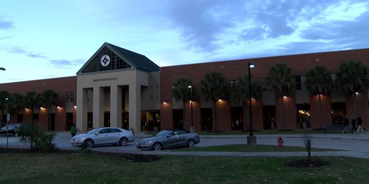 Police: Wando student faces weapons charge, threatened classmate who stole e-cig