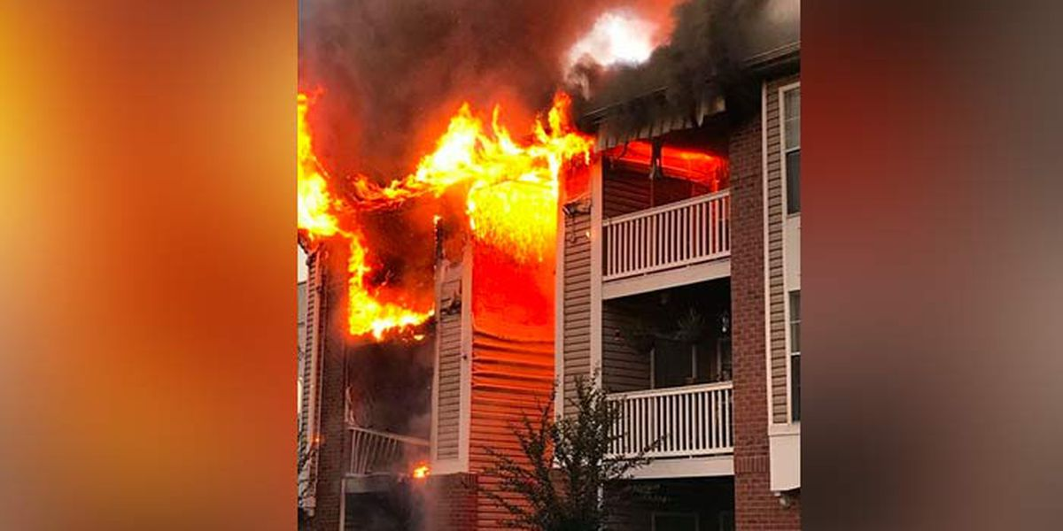 Crews battle massive fire at Goose Creek apartment complex