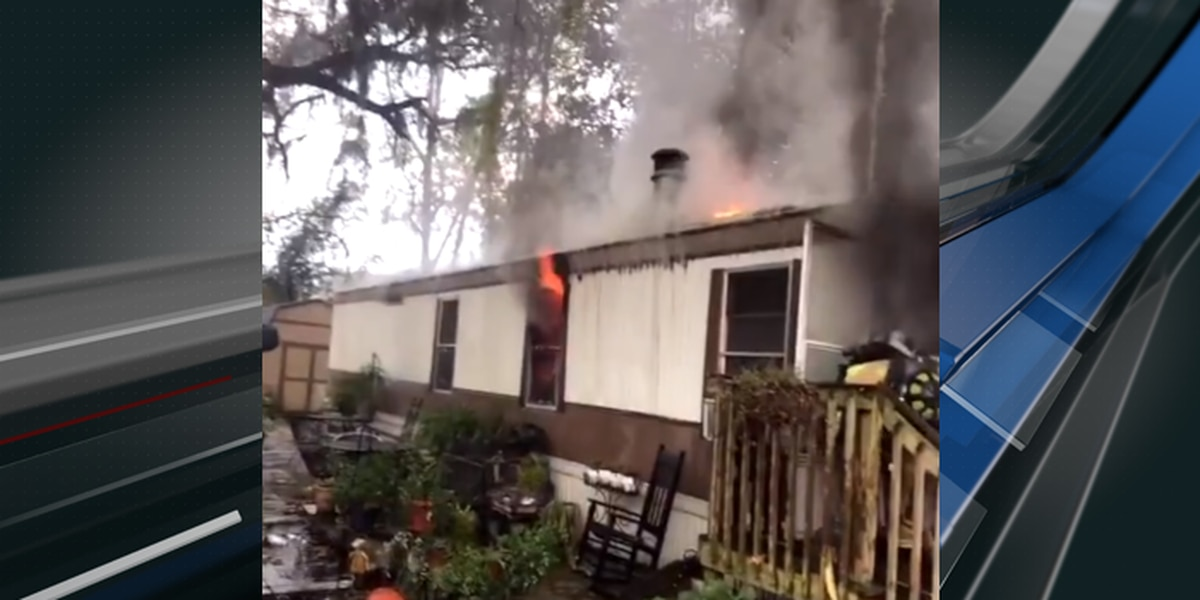 Two displaced after fire in North Charleston