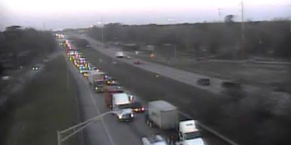 Crash on I-526 blocks 1 lane, slows traffic on I-26