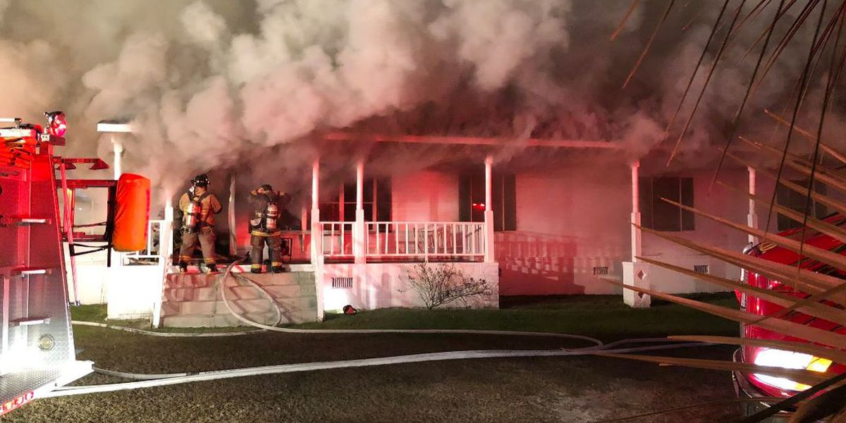 Crews respond to house fire in Williamsburg County