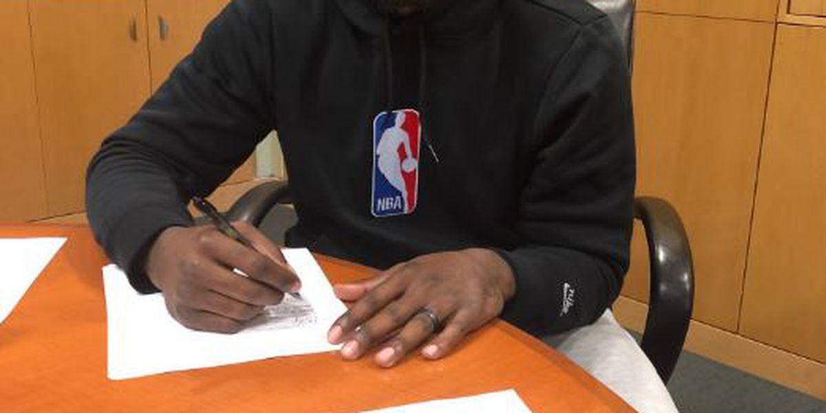 Bruce Ellington signs with Lions