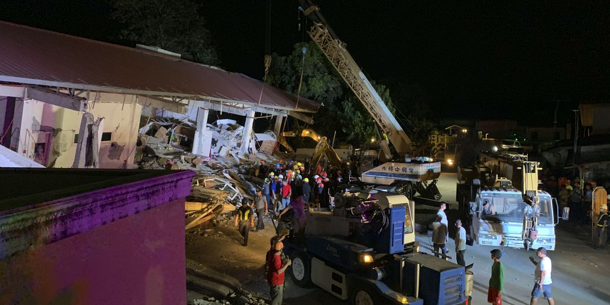Philippine quake knocks over building, at least 3 dead