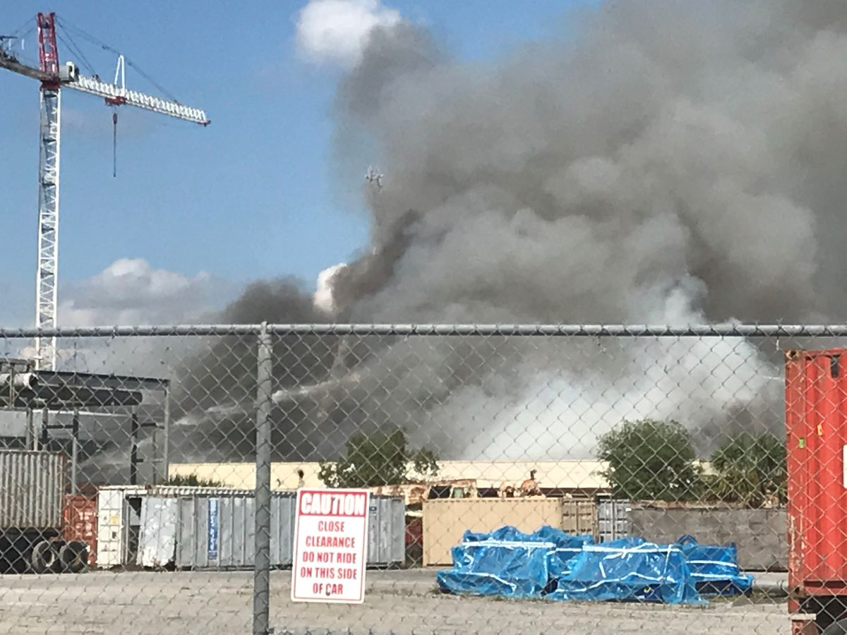 Emergency crews responding to North Charleston shipyard fire