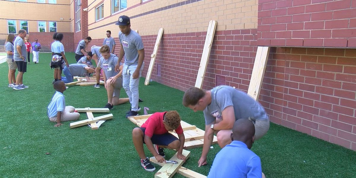 Lowcountry students getting hands-on learning experience through 'Engaging Creative Minds'