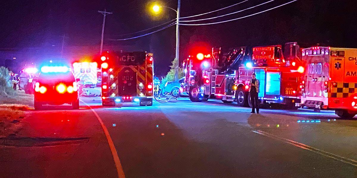 Emergency crews respond to vehicle crash in Ladson