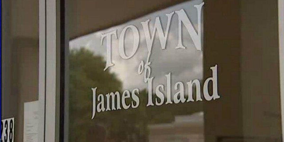 James Island mayor candidates to debate issues