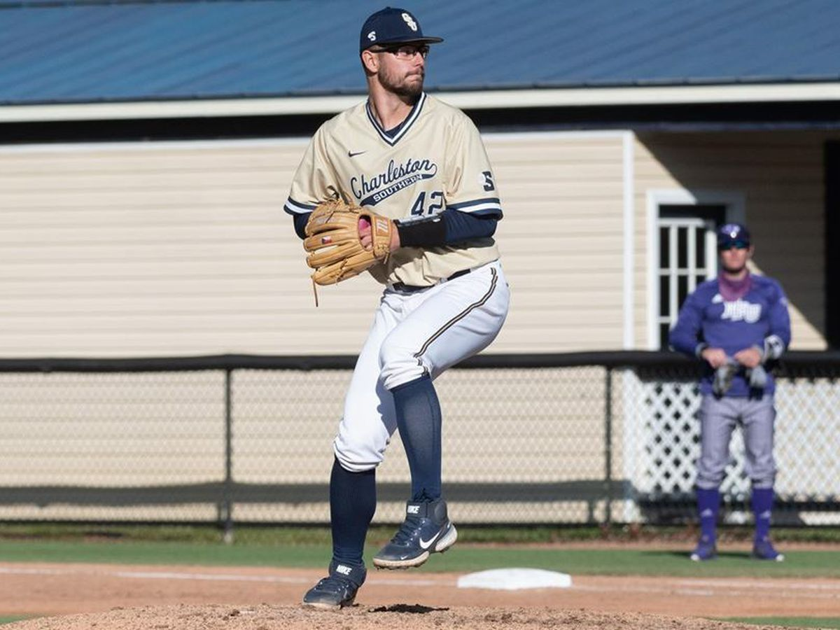 Bucs sweep doubleheader to take series against USC Upstate