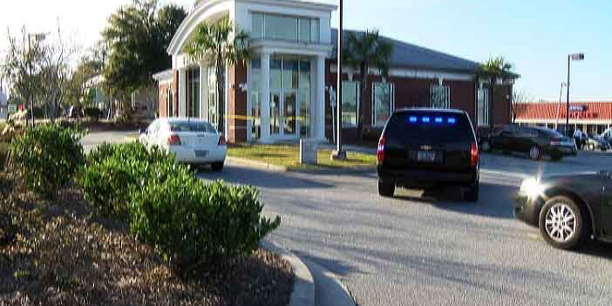 N. Charleston bank robbery thwarted by detective investigating previous robbery