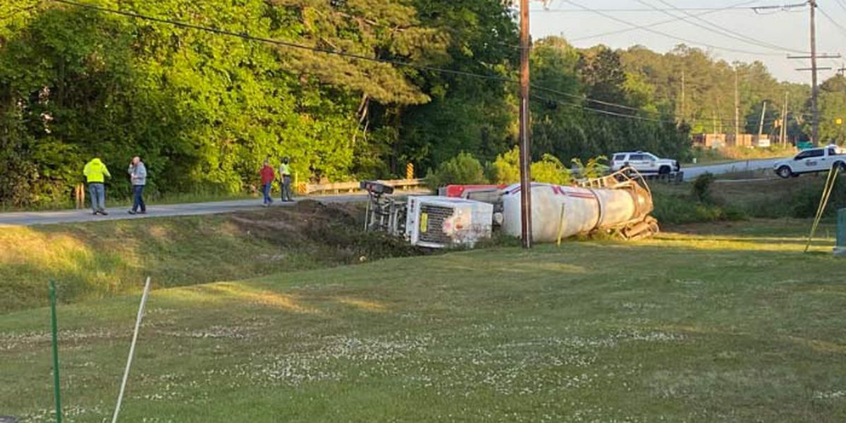 Hwy. 78 reopens after crash involving SUV, concrete truck