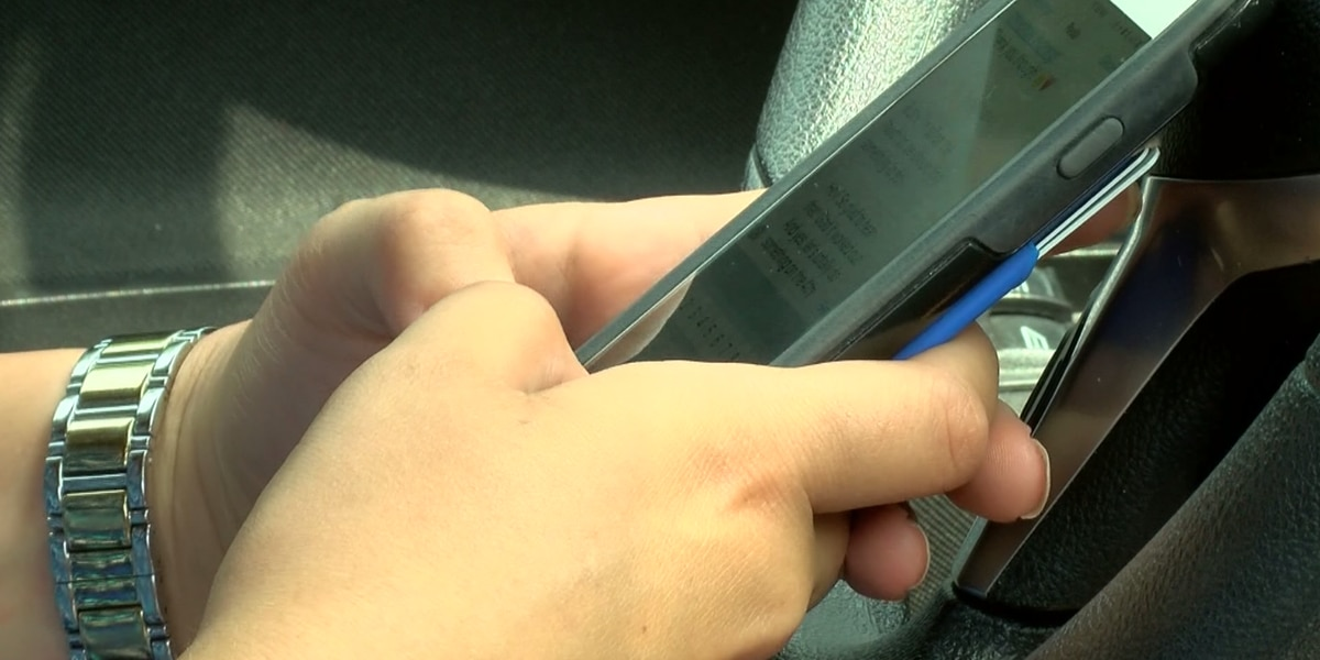 Stricter distracted driving laws could be coming to South Carolina