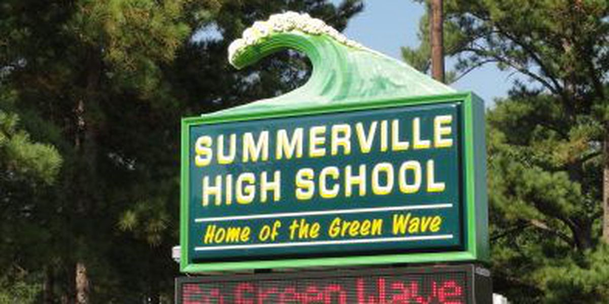 Summerville High School students encouraged to snitch on classmates for money