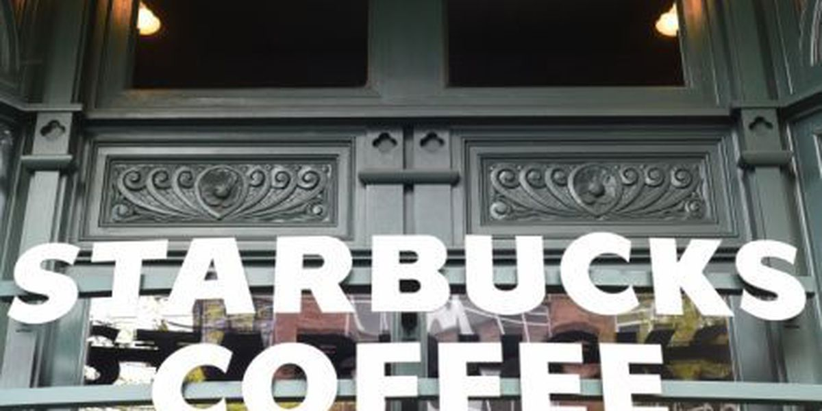 Starbucks gives out free coffee due to register outage