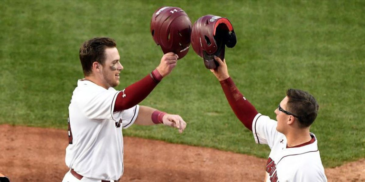 Gamecocks take care of Vols, complete sweep