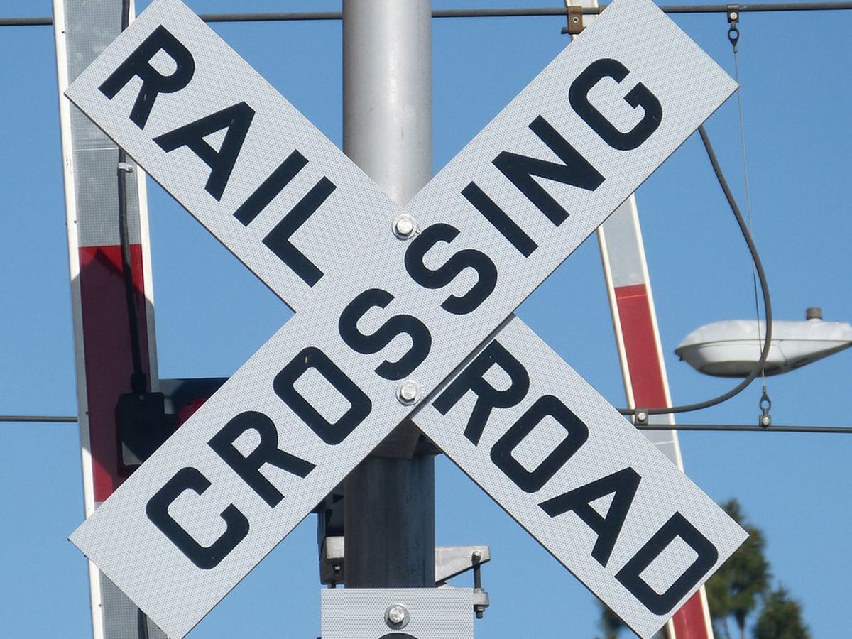 Railroad crossing to close this week in N. Charleston near Aviation Ave