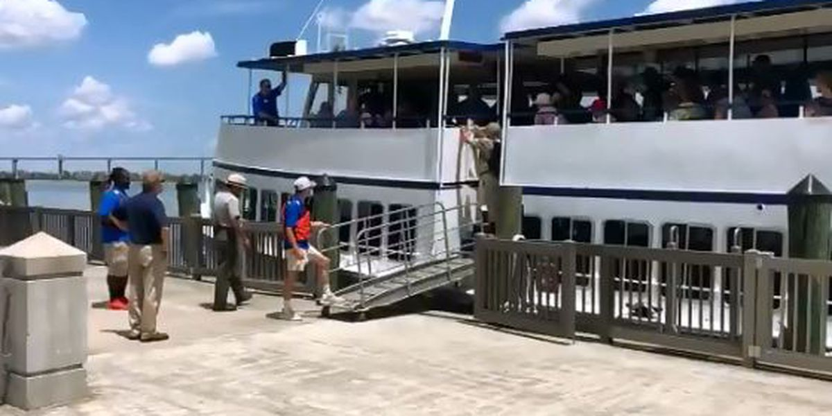 Passengers transferred from disabled tour boat in Charleston Harbor, return to shore after mechanical failure