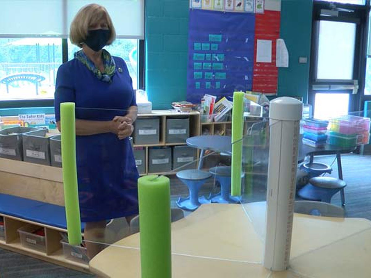 State education superintendent praises Charleston Co. Schools' preparations for fall