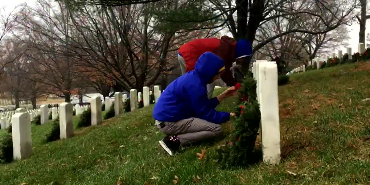 Wreaths placed at Arlington National Cemetery
