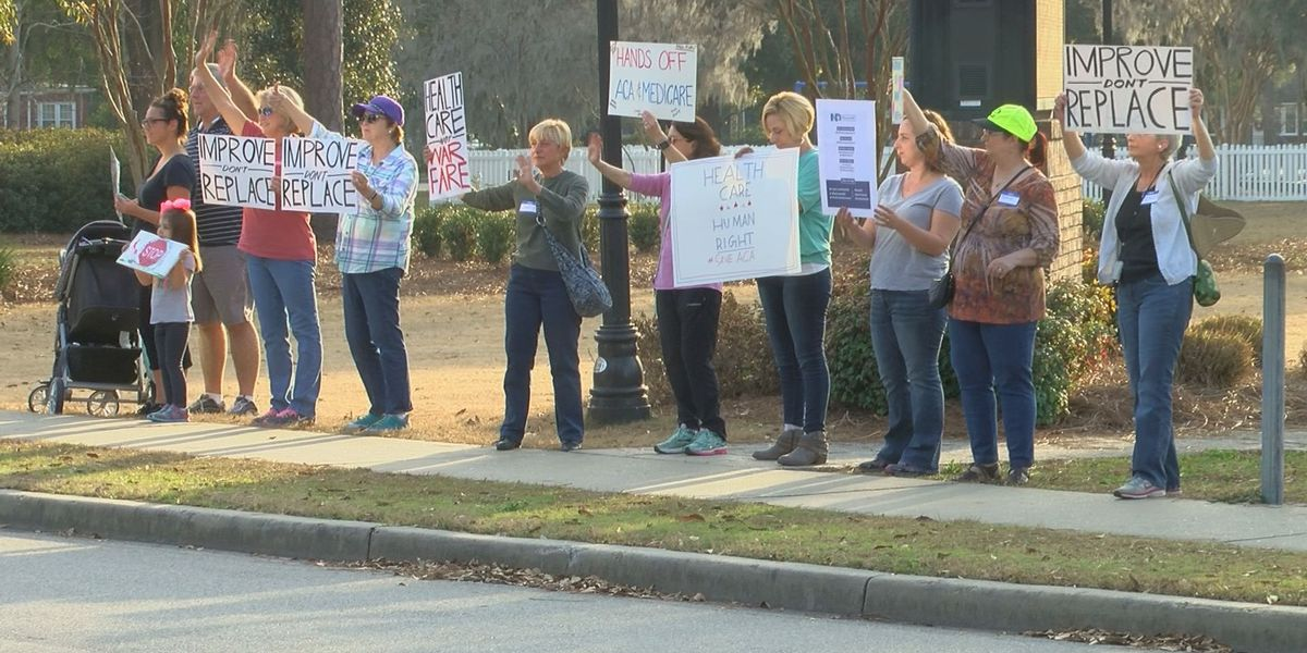 Indivisible Charleston hosts rallies in support of Affordable Care Act