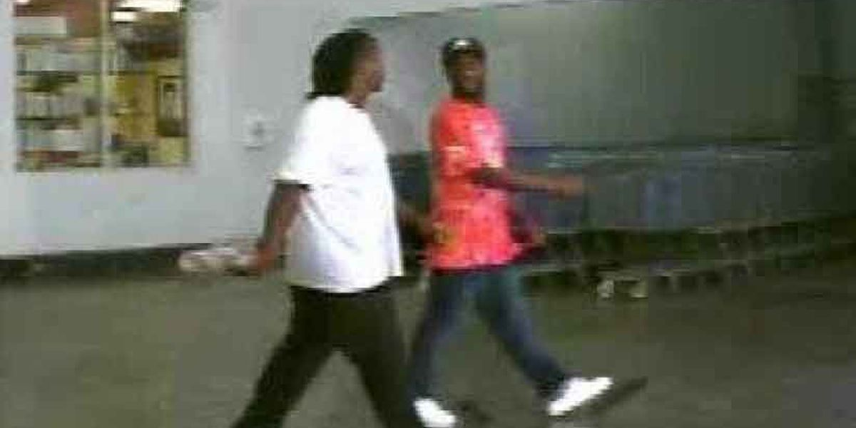 Investigators release picture of suspects accused of credit card fraud in Goose Creek