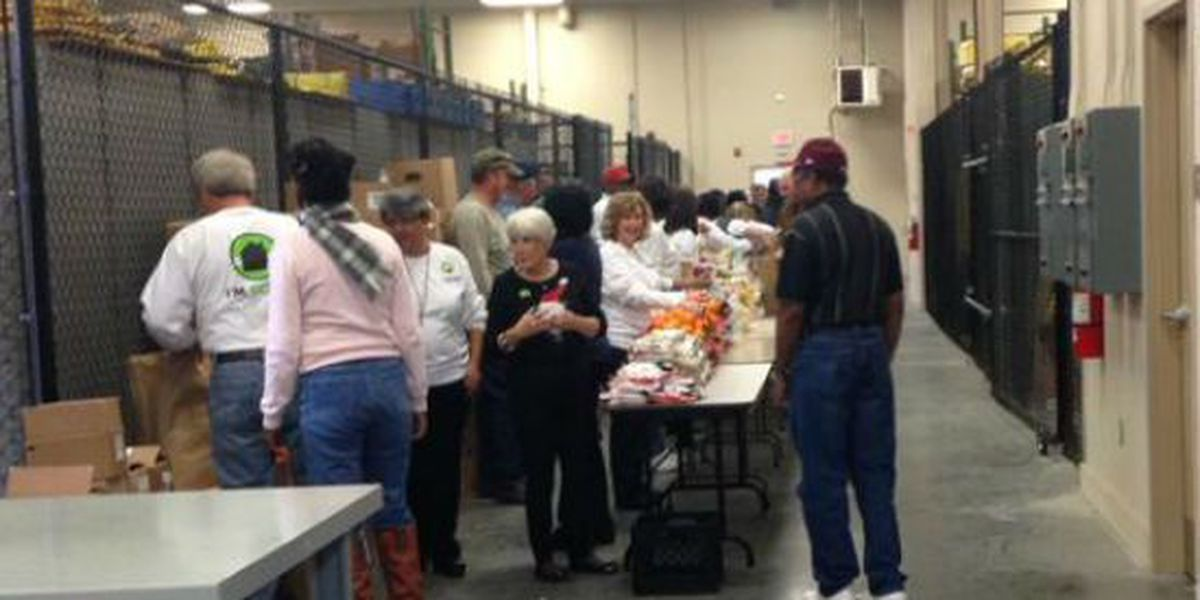 Hundreds of holiday food baskets distributed to Lowcountry families