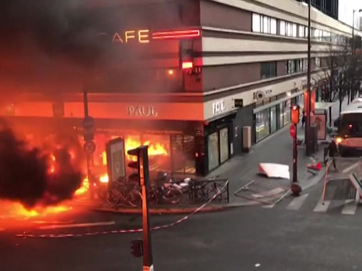 WATCH: Huge fire erupts at Paris train station