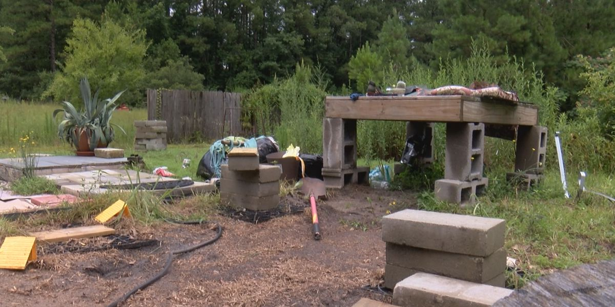 'We've already lost everything:' Thief steals home from family displaced by Florence