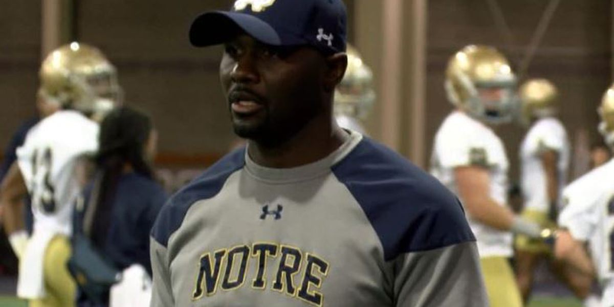Charleston Southern officially hires Notre Dame's Autry Denson as head coach