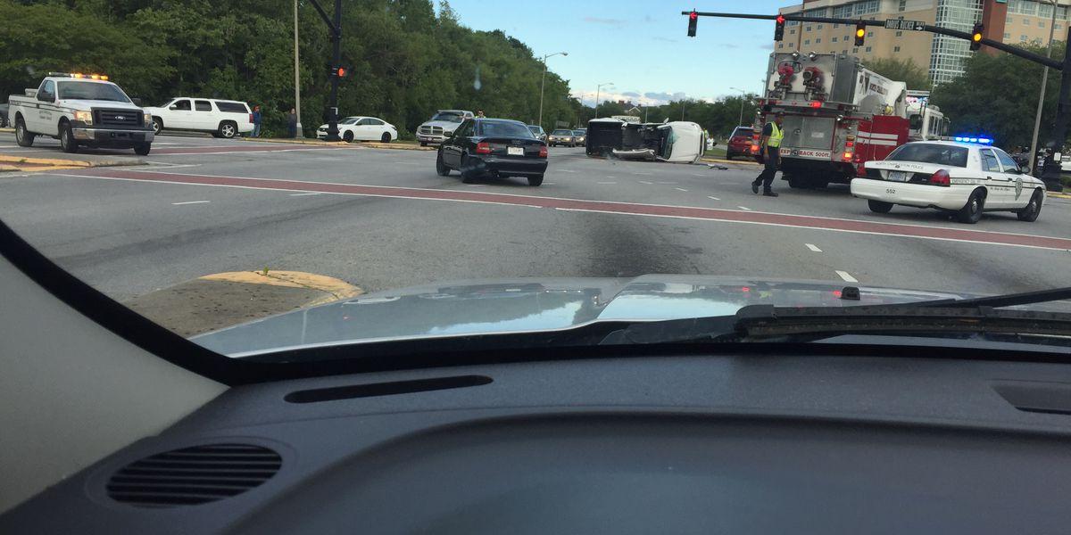 N. Charleston emergency crews respond to accident on International Blvd