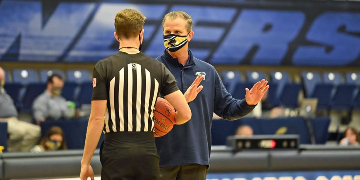 Charleston Southern places basketball team on pause