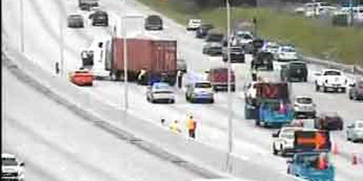 All WB I-26 lanes near Aviation Ave. re-open following wreck