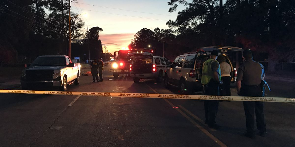 Crews respond to fatal accident on Hwy 17 in Ravenel