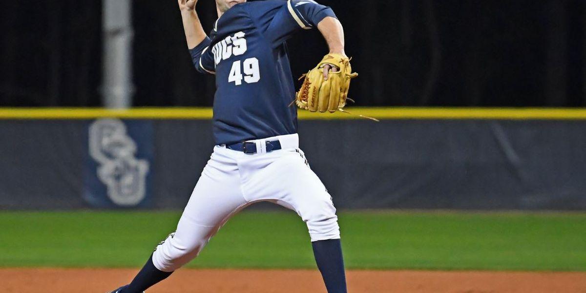 Sixth-inning rally sinks Bucs in season opener
