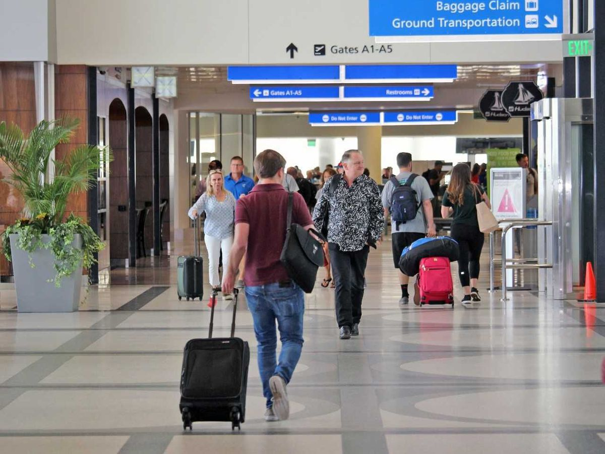 Charleston International Airport gets all-clear to resume operations