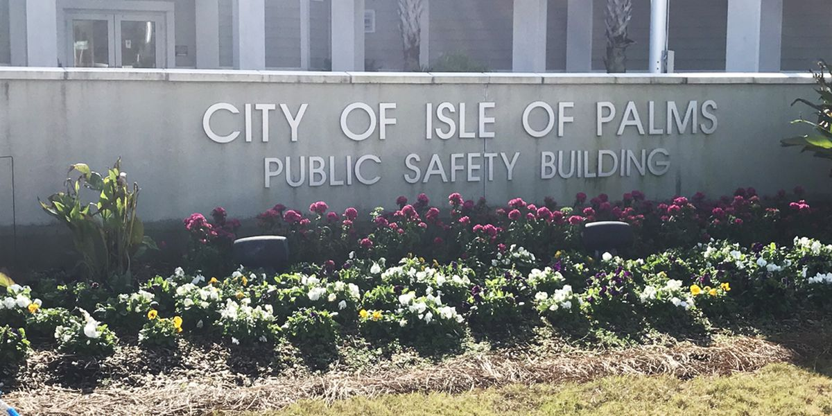 Five police officers resign from Isle of Palms Police Department