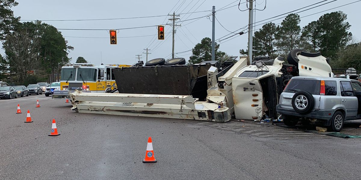 Emergency crews respond after crane overturns on College Park Road