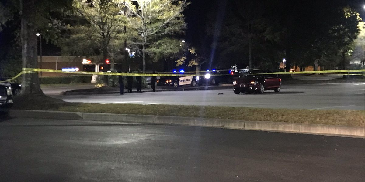 Authorities investigating after shooting victim driven to James Island grocery store