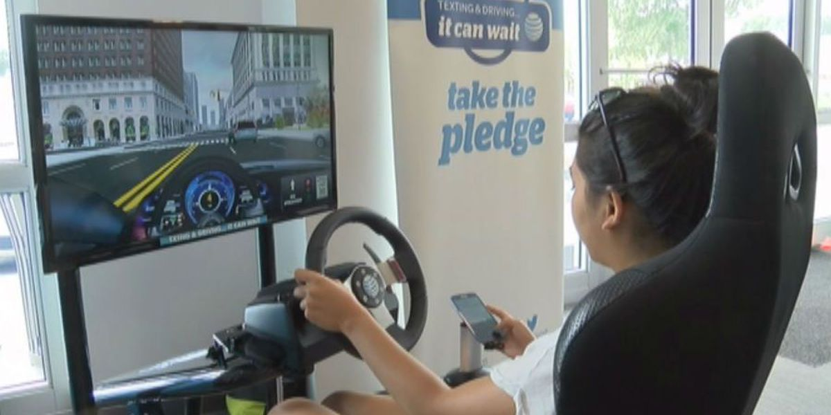 AT&T 'It Can Wait' simulator teaches dangers of texting while driving
