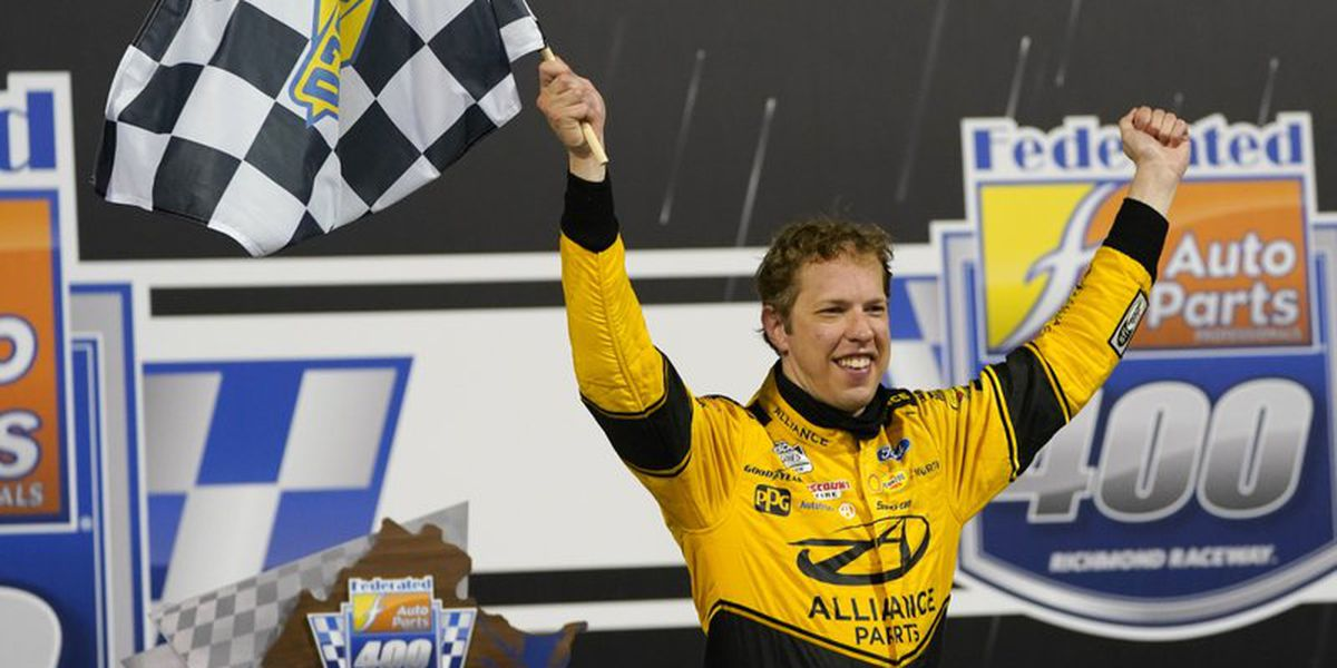 Keselowski dominates in playoff win at Richmond