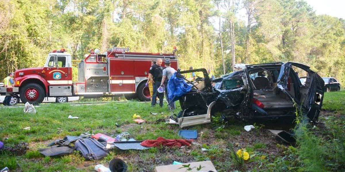Man killed after SUV collides with tanker truck in Colleton County