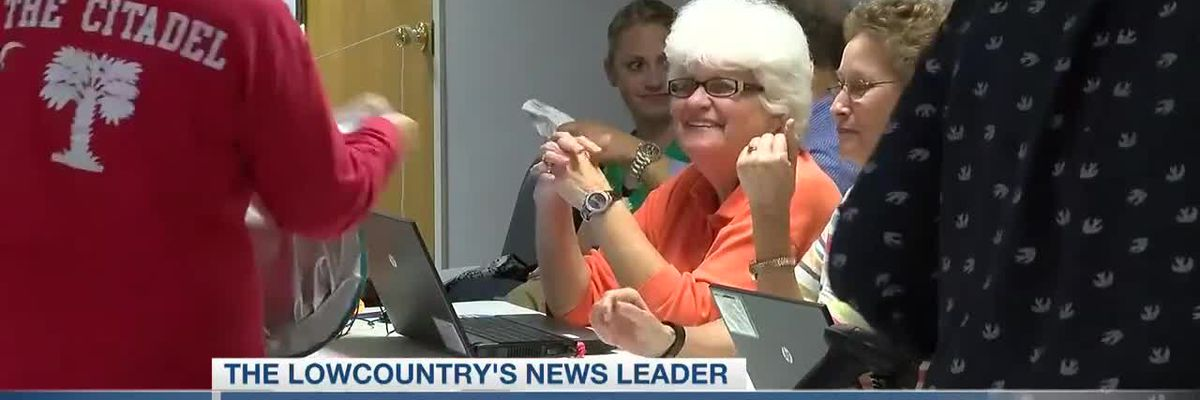 VIDEO: Charleston County in dire need of poll workers for primary election