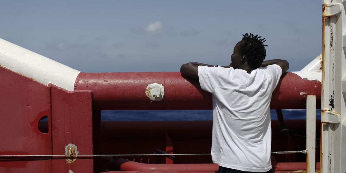 Italy: Rescue boat with 82 migrants can dock at Italian isle