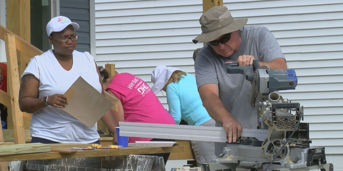 Two Habitat for Humanity houses being built in North Charleston