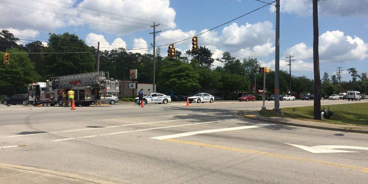 Emergency crews respond to accident in Summerville