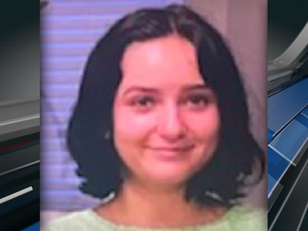 Charleston police searching for missing 16-year-old girl