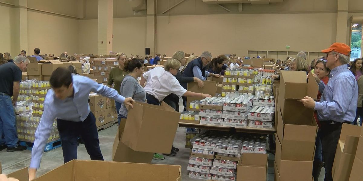 Volunteers pack thousands of Thanksgiving meals for Lowcountry families in need